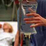patiënt en zoutoplossing